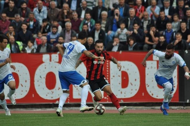 Utaş Uşakspor evinde Ankara Demirspor'u 1-0 yendi