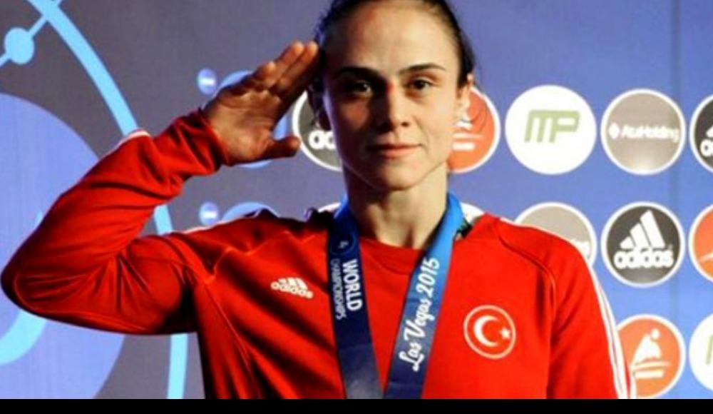 Elif Jale Yeşilırmak, gümüş madalya kazandı