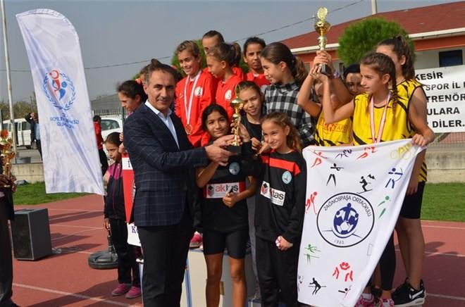 Cumhuriyet Kupası atletizm yarışları yapıldı