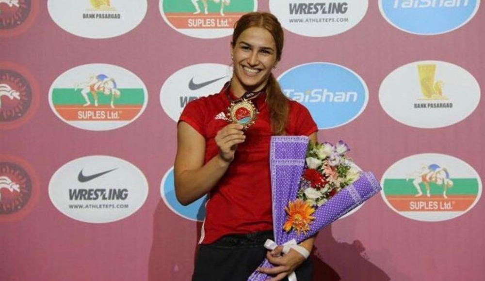 Kadınlar 72 kiloda Buse Tosun, bronz madalya kazandı