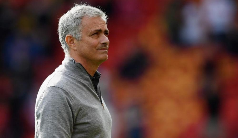 Jose Mourinho, Manchester United'da kalıyor mu? Menajeri açıkladı...