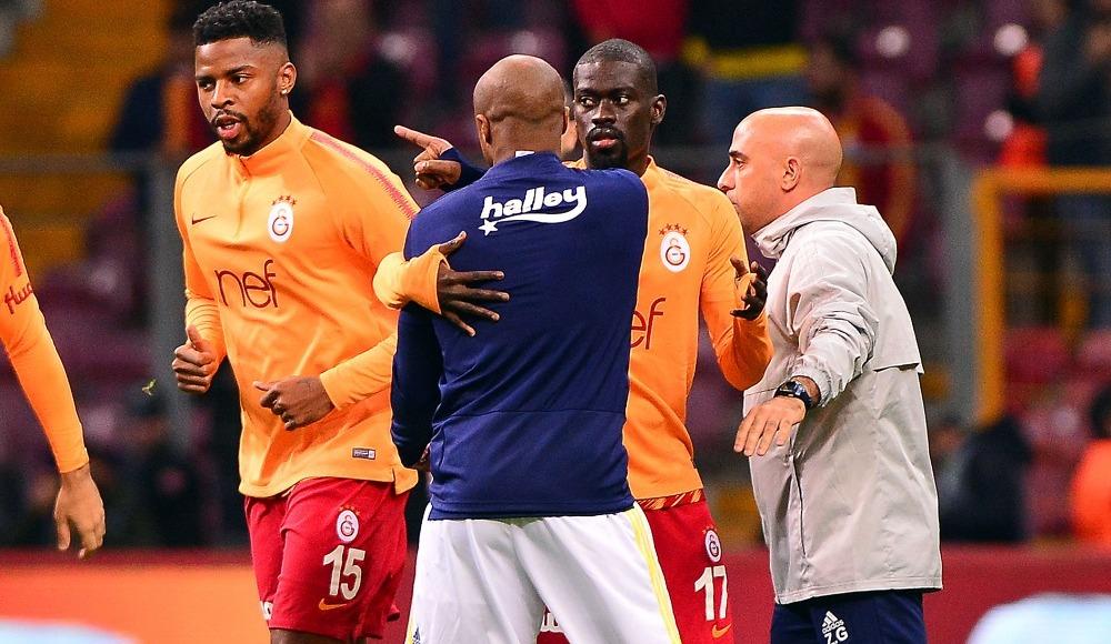 Derbi öncesi iki futbolcu arasında gerginlik!