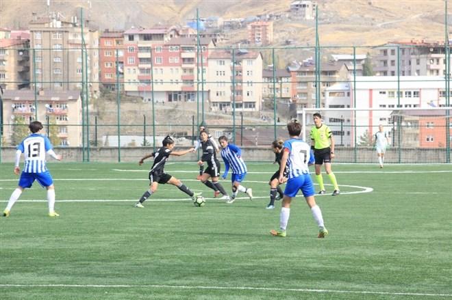 Hakkari Gücü Kadın Futbol Takımı, Beşiktaş Kadın Futbol Takımı ile-1-1 berabere kaldı