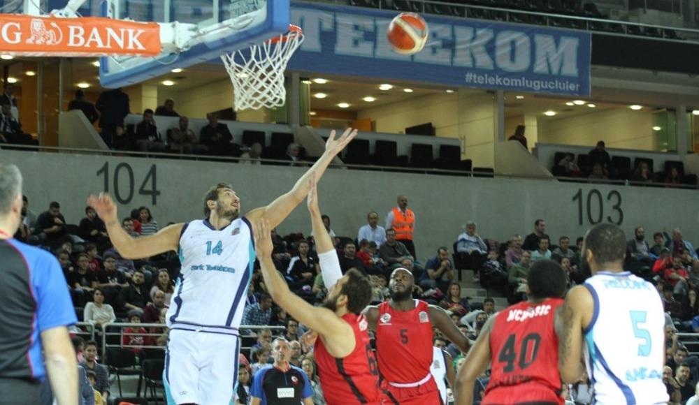 Türk Telekom, sahasında Gaziantep Basketbol'u 83-67 yendi