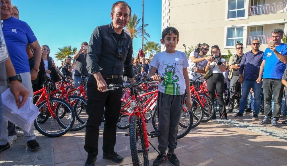 140 ilk ve ortaokul öğrencisine hediye bisiklet!