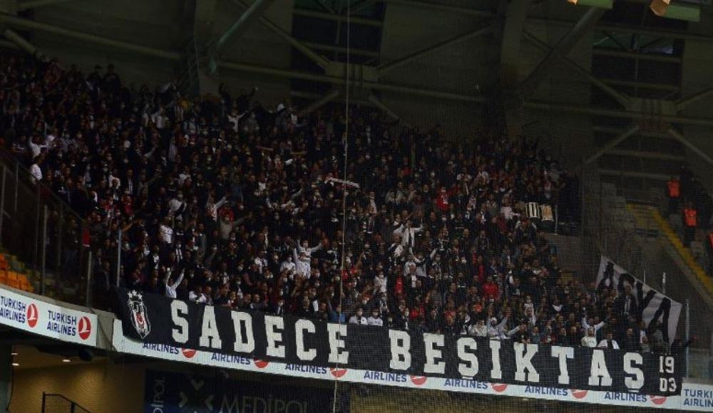 Başakşehir - Beşiktaş maçında Koray Şener unutulmadı