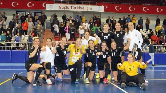 Kastamonu Belediyespor, sahasında Muratpaşa Belediyespor'u 26-20 yendi