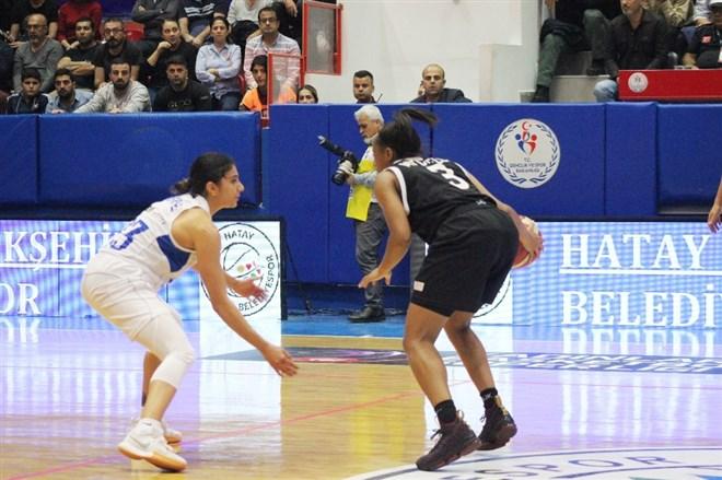 Hatay Büyükşehir Belediyespor: 74 - Carolo Basket: 66