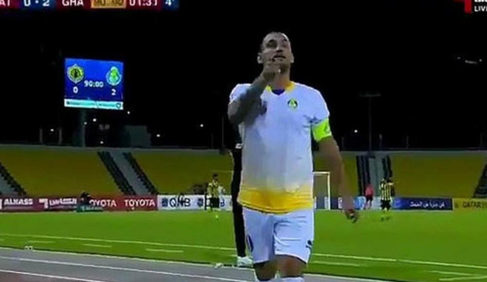 Video - Kırmızı kart gören Sneijder'den sert çıkış: Bu buradaki son maçım!