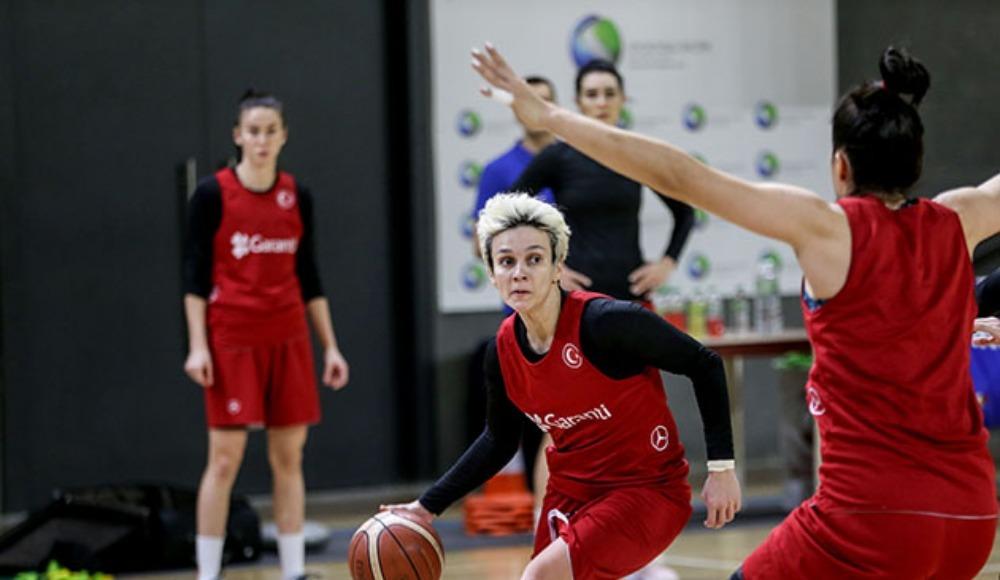 A Milli Kadın Basketbol Takımı, Polonya'ya gitti