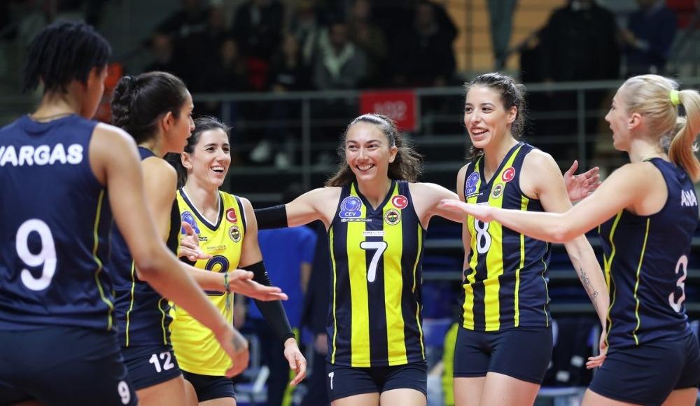 Fenerbahçe, Galatasaray'ı set vermeden mağlup etti