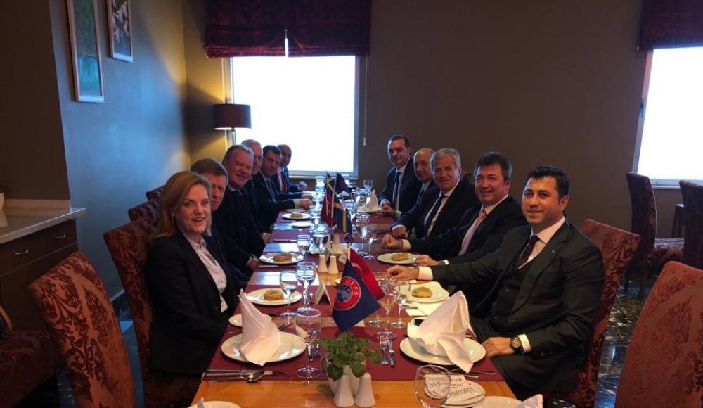 Türkiye-İsveç resmi maç yemeği düzenlendi