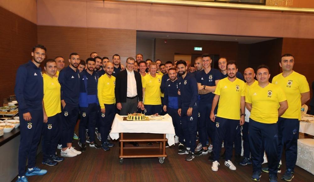 Comolli'ye doğum günü kutlaması