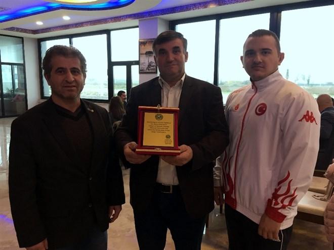 Türkiye şampiyonu işitme engelli gencin hedefi dünya şampiyonluğu