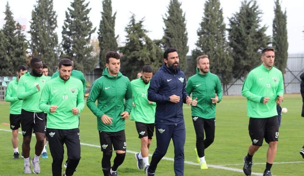 Akhisarspor'un Antalya kampı başladı