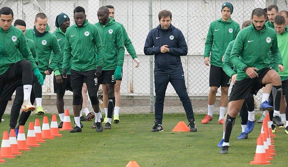 Atiker Konyaspor'da Aytemiz Alanyaspor maçı hazırlıkları devam ediyor