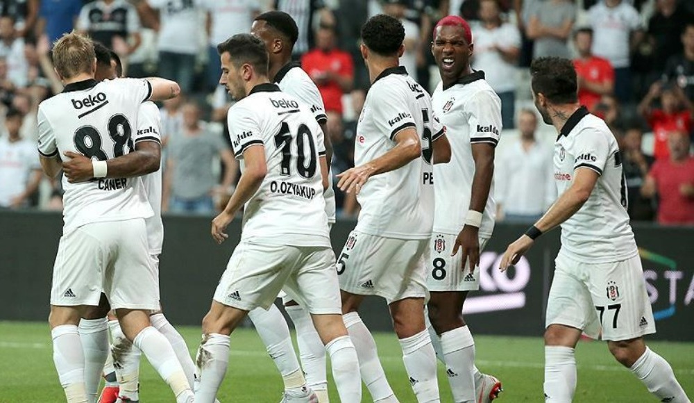 Beşiktaş'ta bakın kim oynuyor! Çok şaşıracaksınız...