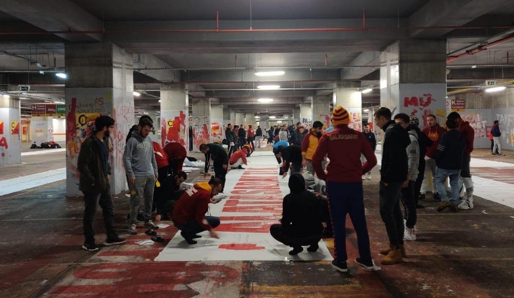 Galatasaray'ın taraftar grubu ultrAslan'dan 'derbi' paylaşımı