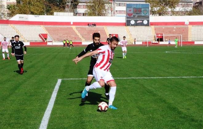 Kahramanmaraşspor, sahasında Etimesgut Belediyespor'a 2-0 mağlup oldu