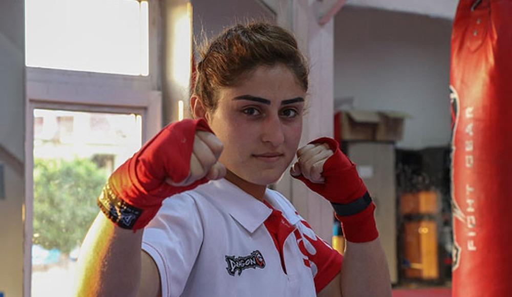 Avrupa şampiyonu kick boksçu, Nemrut Dağı'nda çalışıyor