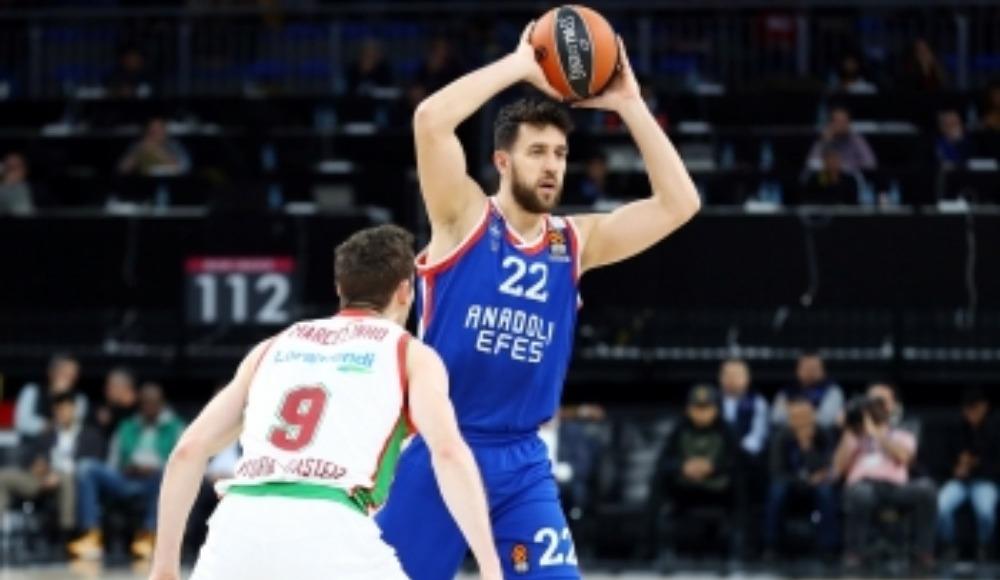 Anadolu Efes, Vasilije Micić'in sözleşmesini 2 yıl uzattı