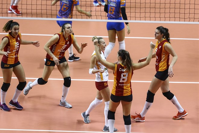 Galatasaray HDI Sigorta Kadın Voleybol Takımı, 8'li final turuna yükseldi