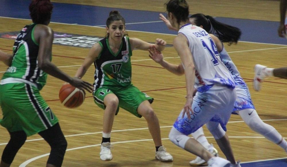 Samsun Canik Belediyespor, sahasında İzmit Belediyespor'a mağlup oldu