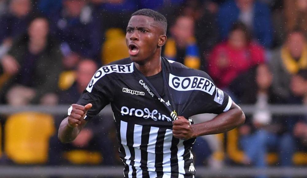 Manchester ve PSG'nin gözü 19'luk Nijeryalı'da! Yine gol attı