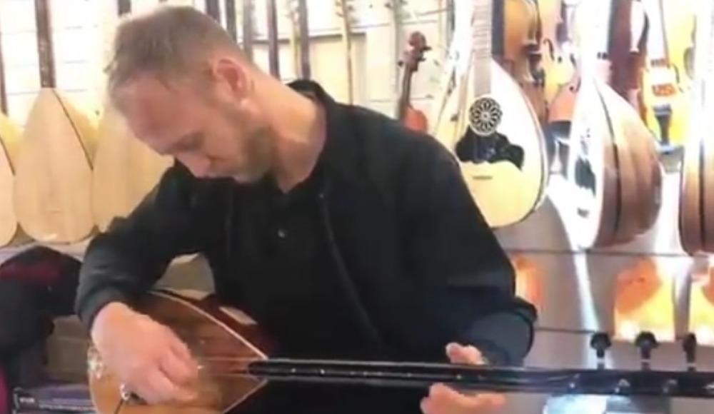 Video - Semih Kaya'dan bağlama performansı