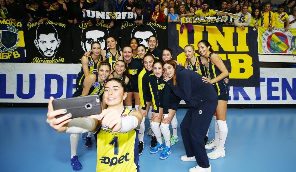 Fenerbahçe Opet, Chemik Police'ye set vermedi