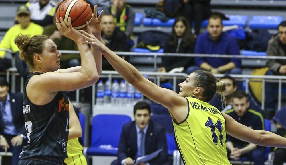 Fenerbahçe, sahasında Carolo Basket'i 84-75 yendi