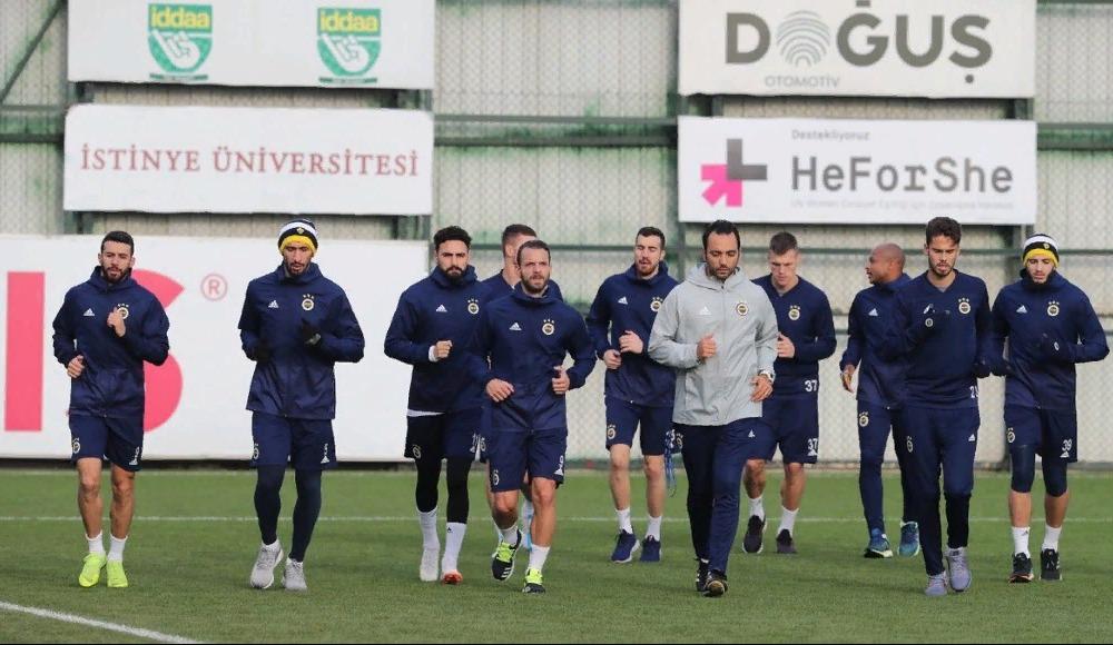 Fenerbahçe'de kamp kadrosu açıklandı!