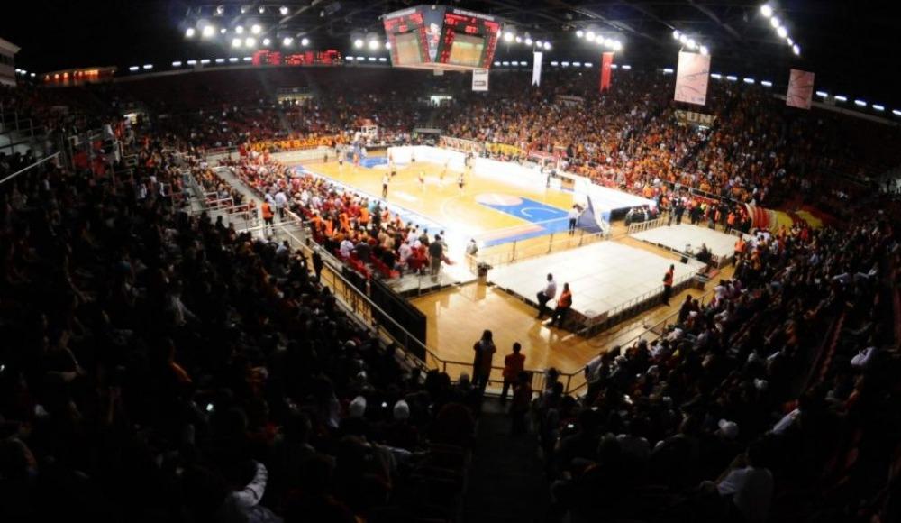 Basketbolda derbiye Galatasaray taraftarı damga vurdu!