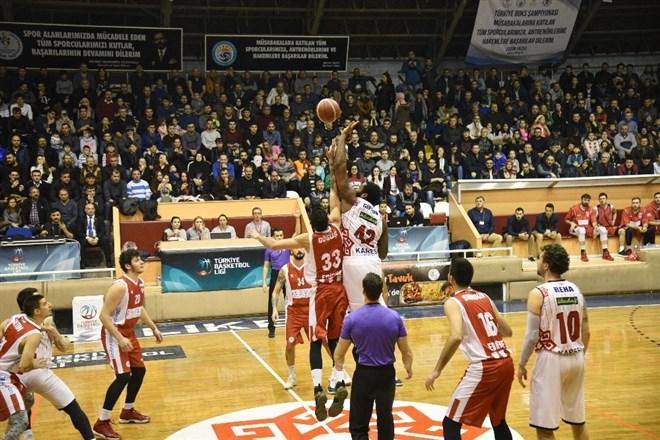 Karesispor, Edirnespor'u 126-83 mağlup etti