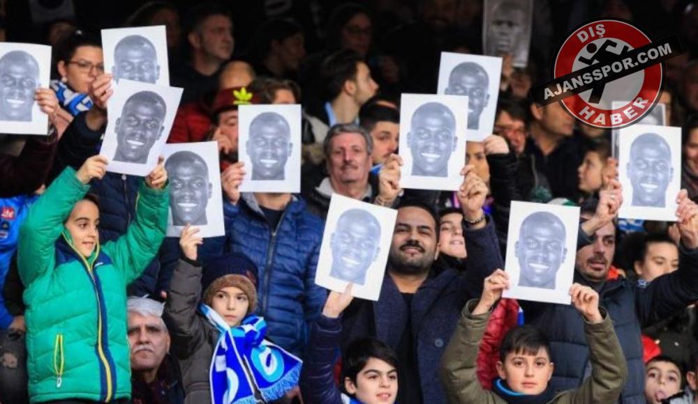 Napoli'den ırkçılığa pankartlı tepki!