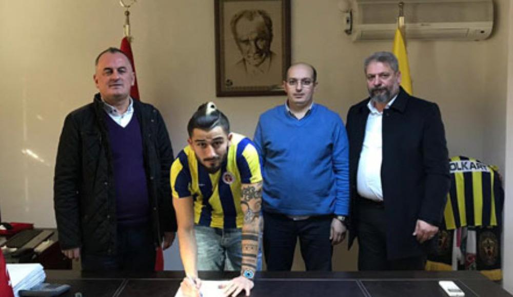 Menemenspor'da Coşkun imzaladı