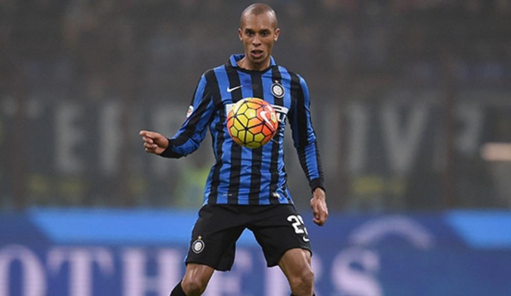 Galatasaray'ın ilgilendiği Miranda için Flamengo devrede