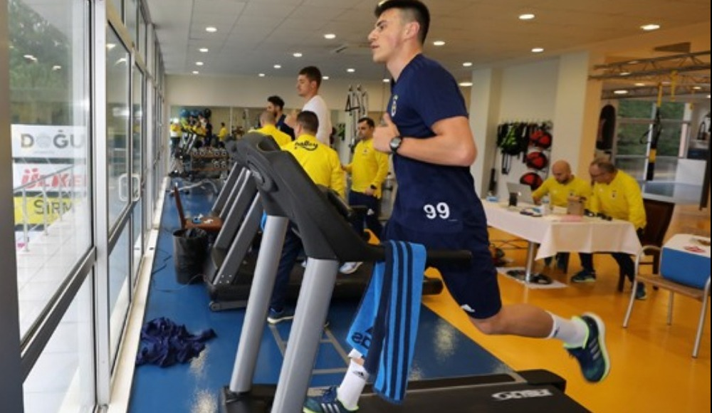 Fenerbahçeli futbolcular laktat testinden geçirildi