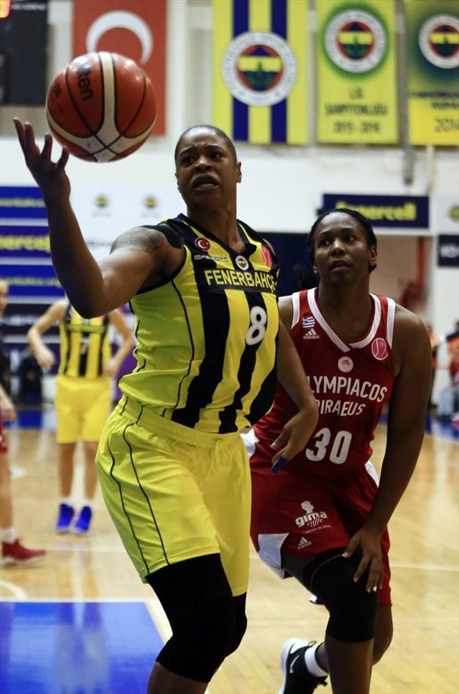Fenerbahçe, Yunanistan ekibi Olympiakos'u 76-68 yendi