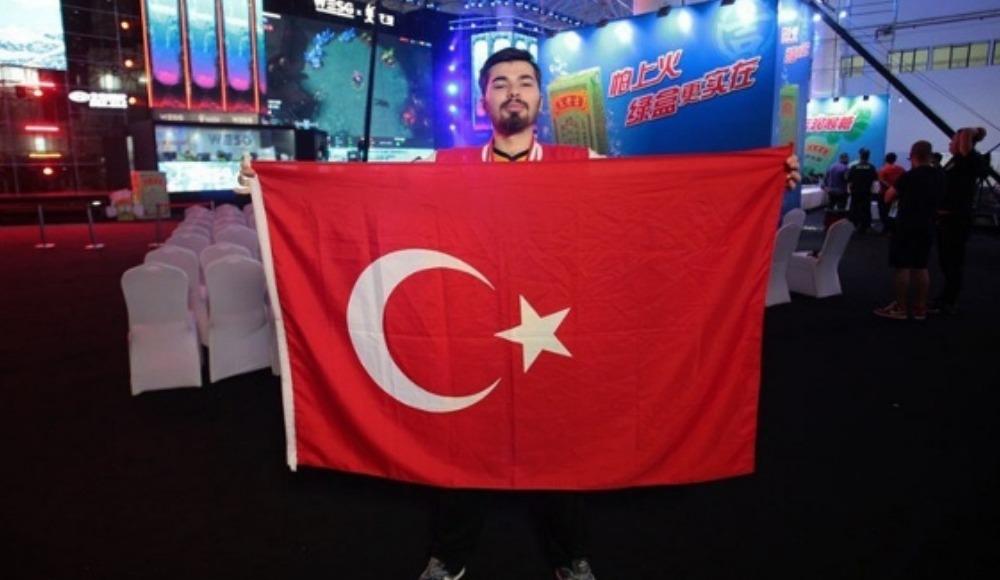 Türk genci E-Spor'dan 150 bin Dolar kazandı!