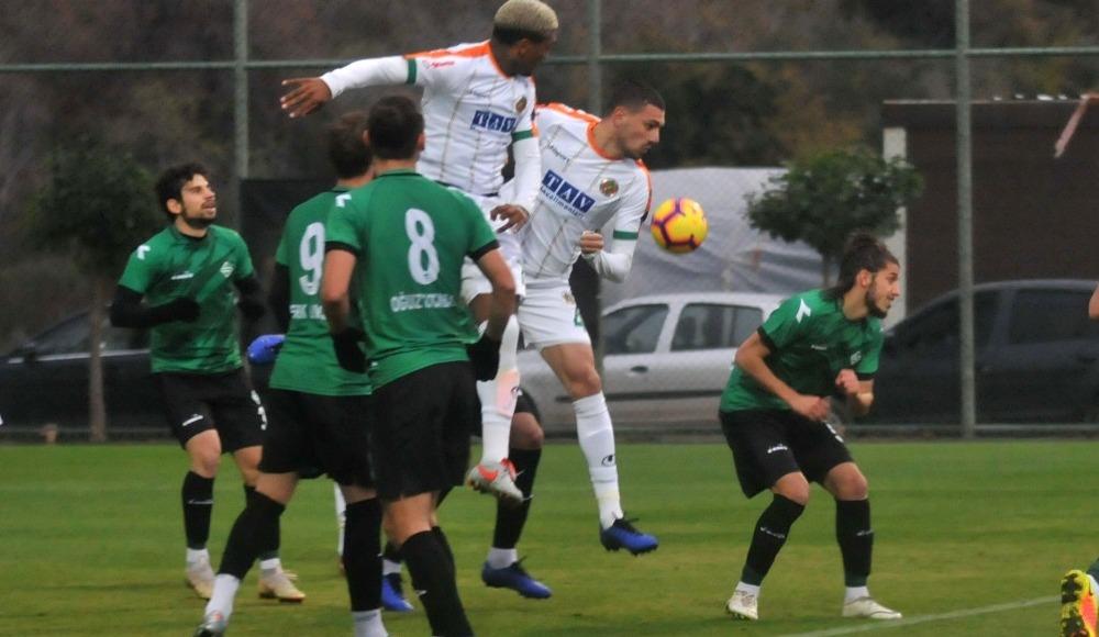 Alanyaspor, Sakaryaspor'u 3 golle geçti