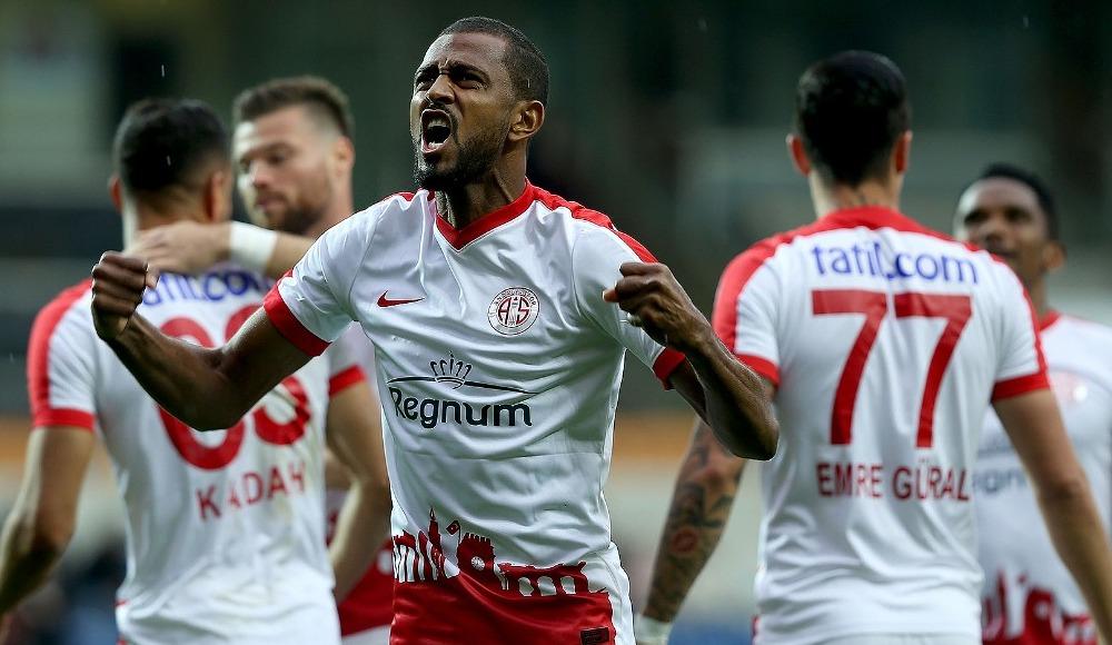 Trabzonspor'dan kritik hamle! Maicon...