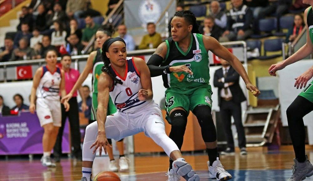 Gündoğdu Adana Basketbol sahasında, İzmit'i yendi