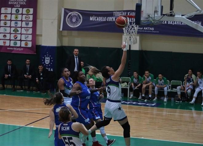 Bursa Büyükşehir Belediyespor, evinde A Koleji'ni 67-45 mağlup etti