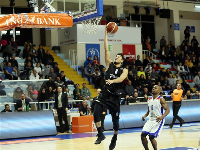 Büyükçekmece Basketbol, sahasında Darüşşafaka Tekfen'i yendi