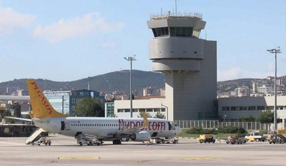 Havalimanı kulesinden Fenerbahçe Beko'ya zafer tebriği