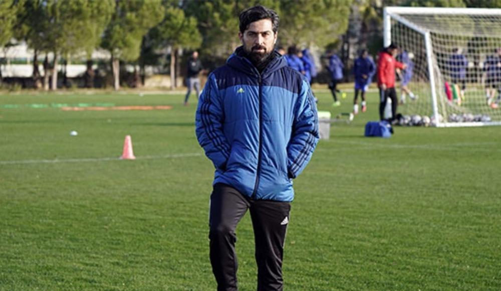"""Hatayspor Teknik Direktörü İlhan Palut: """"Başakşehir'e teslim olmayacağız"""""""