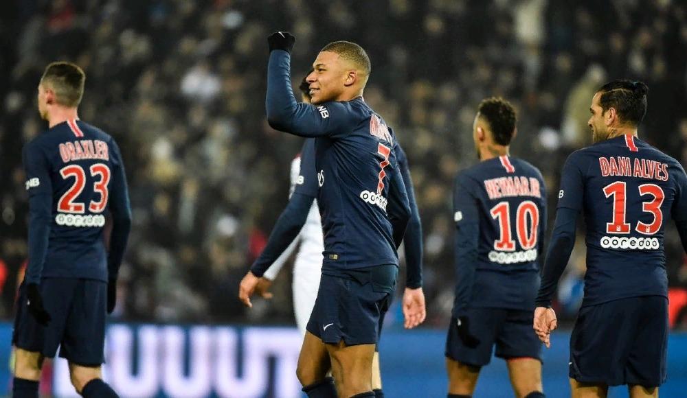 Paris Saint-Germain gol oldu yağdı!