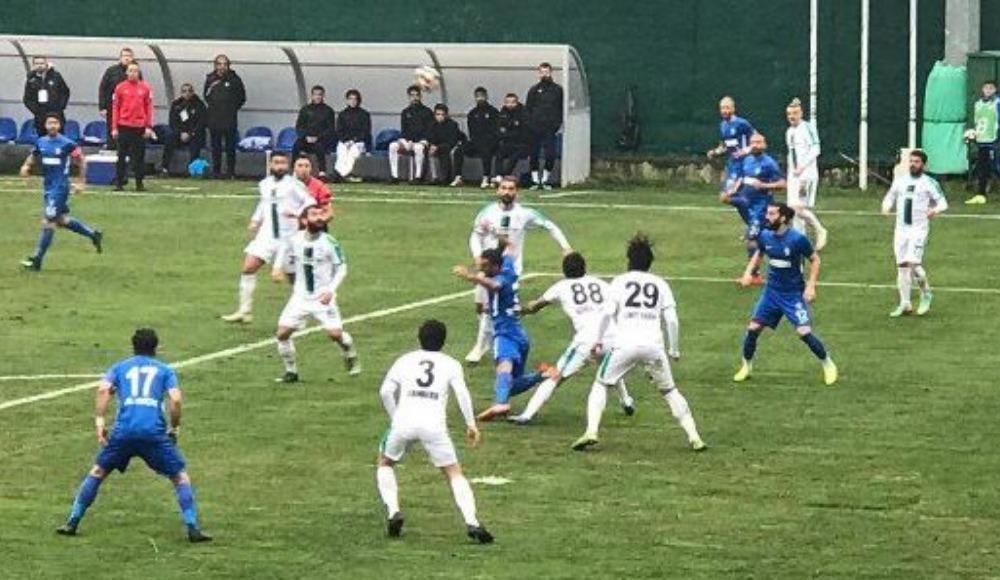 Sarıyer - Sakaryaspor maçında goller var, kazanan yok!