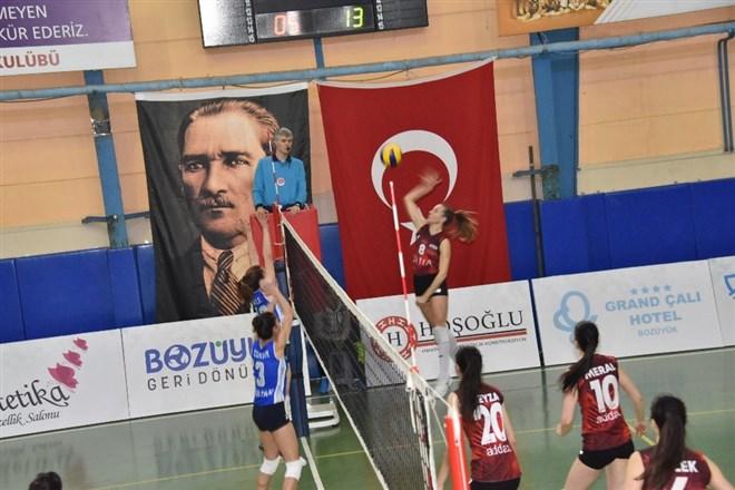 İdman Yurdu, Sultan Spor  Voleybol Takımını 3-0 mağlup etti